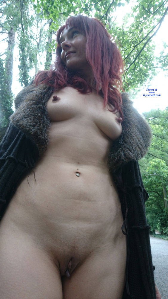 Pic #9 Happy Park - Public Exhibitionist, Flashing, Outdoors, Public Place, Redhead, Shaved, Amateur