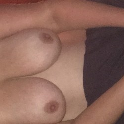 Medium tits of my wife - Cary!!!
