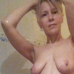 Bathroom - Nude Girls, Big Tits, Mature, Amateur