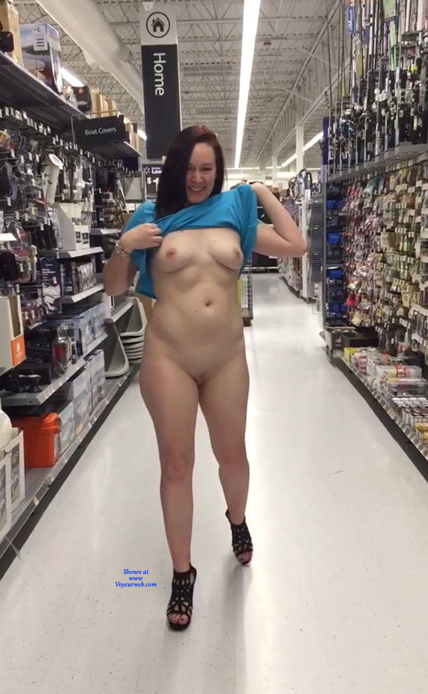 amateurs nude in public 2018