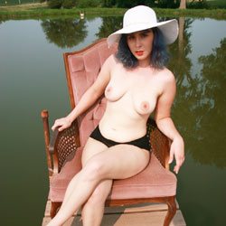 On The Dock - Nude Girls, Big Tits, Outdoors, Bush Or Hairy, Amateur, Tattoos