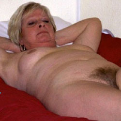 Mature Wife - Nude Wives, Mature, Bush Or Hairy, Amateur