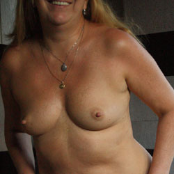 Leave The Hat On - Nude Amateurs, Mature, Shaved