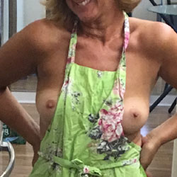 53 This Week - Wife/Wives, Shaved, Amateur