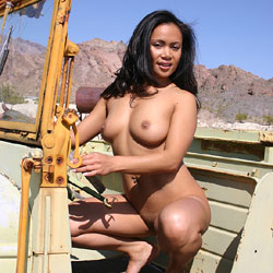 Junkyard Drive - Nude Girls, Big Tits, Brunette, Outdoors, Shaved, Amateur