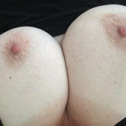 Very large tits of my girlfriend - OntFF's Girl