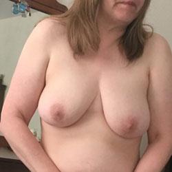 Sharing Myself - Big Tits, Mature, Amateur