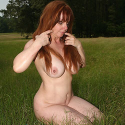 Country Field - Nude Amateurs, Big Tits, Mature, Outdoors, Redhead
