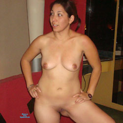 Posing Nude - Nude Girls, Big Tits, Shaved, Amateur