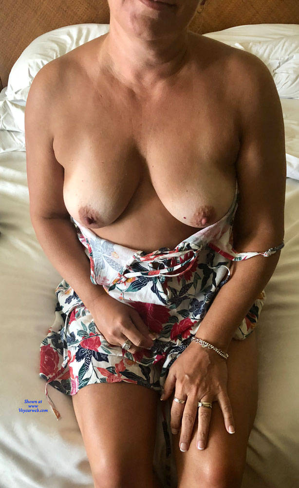 Big tits in hawaii