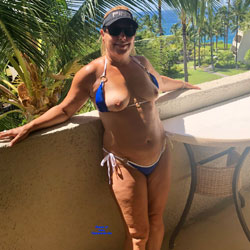 Hawaii Vacation - Topless Wives, Big Tits, Mature, Outdoors, Amateur