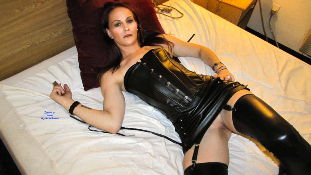 Pic #6 Mistress Brie - Pantieless Girls, High Heels Amateurs, Shaved