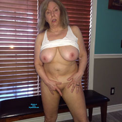 Horny Milf Loves To Show - Big Tits, Mature, Amateur