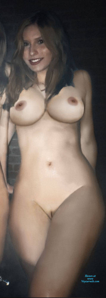 Pic #1 Completely Nude Body - Nude Girls, Big Tits, Amateur