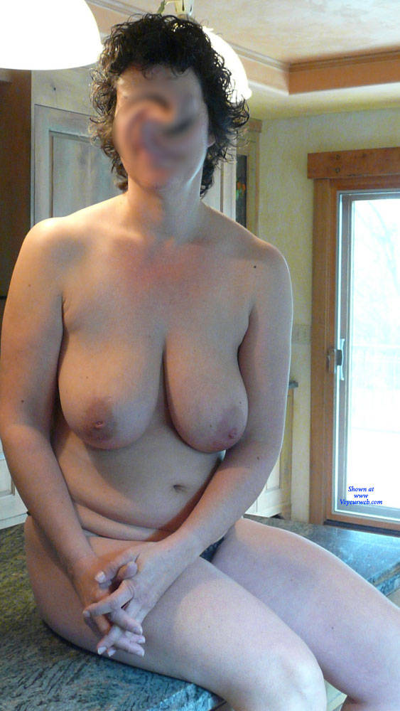 Pic #2 Short Hair - Nude Girls, Big Tits, Brunette, Bush Or Hairy, Amateur