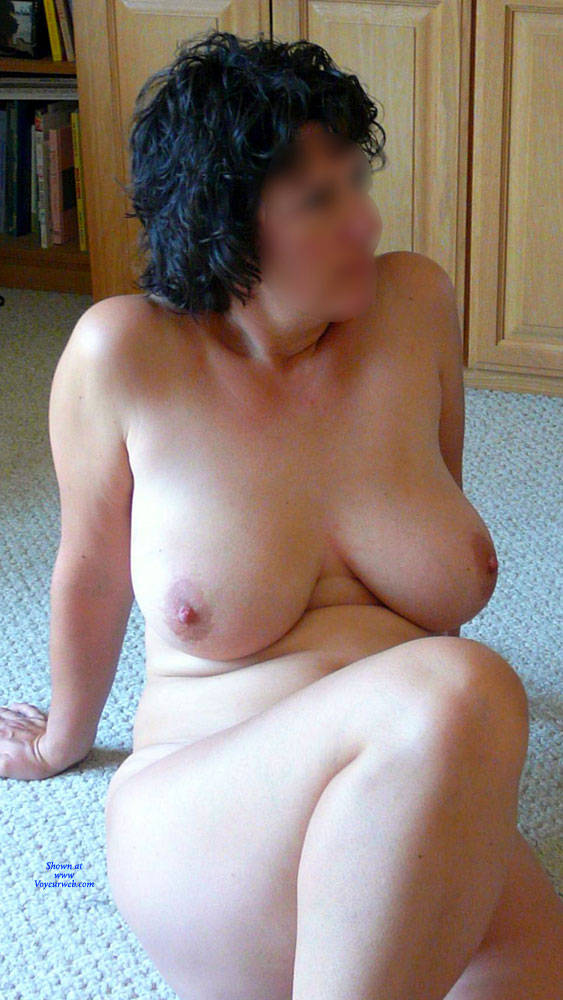 Pic #3 Short Hair - Nude Girls, Big Tits, Brunette, Bush Or Hairy, Amateur