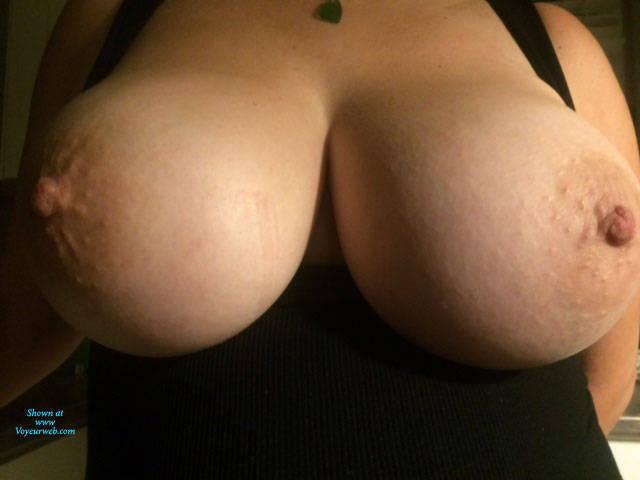 Pic #1 Big Natural Fluffies Tits - Topless Wives, Big Tits, Amateur, Natural Tits