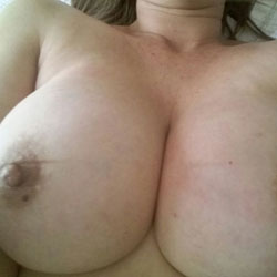 Resting - Big Tits, Amateur