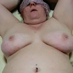 Kats Pussy Play - Nude Wives, Big Tits, Mature, Amateur, BBW