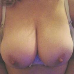 Large tits of my girlfriend - Maryann