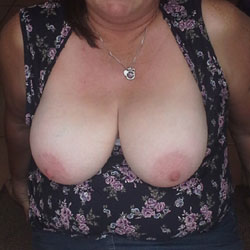 Chubby Housewife Lynn - Big Tits, Wife/Wives, Amateur