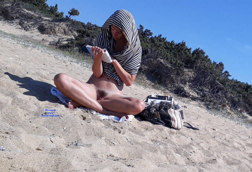 Pic #5 Looking For Some Shadow - Nude Girls, Beach, Outdoors, Small Tits, Bush Or Hairy, Beach Voyeur