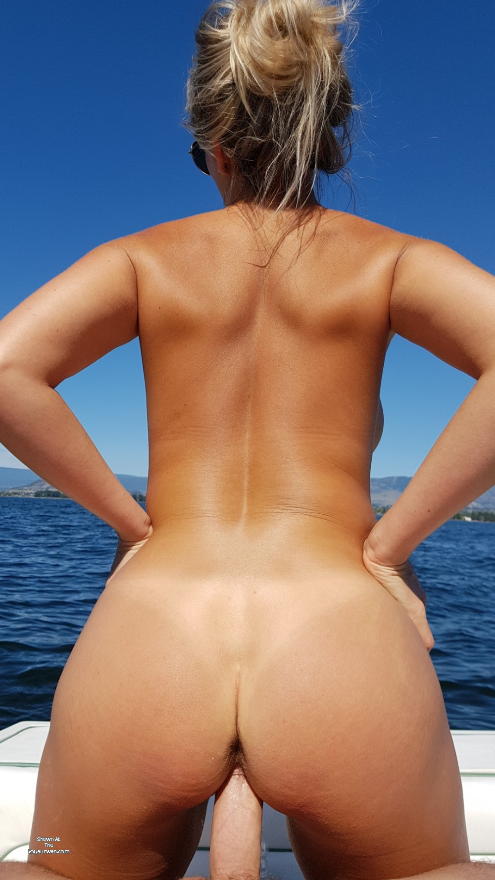 Pic #1 My wife's ass - karly