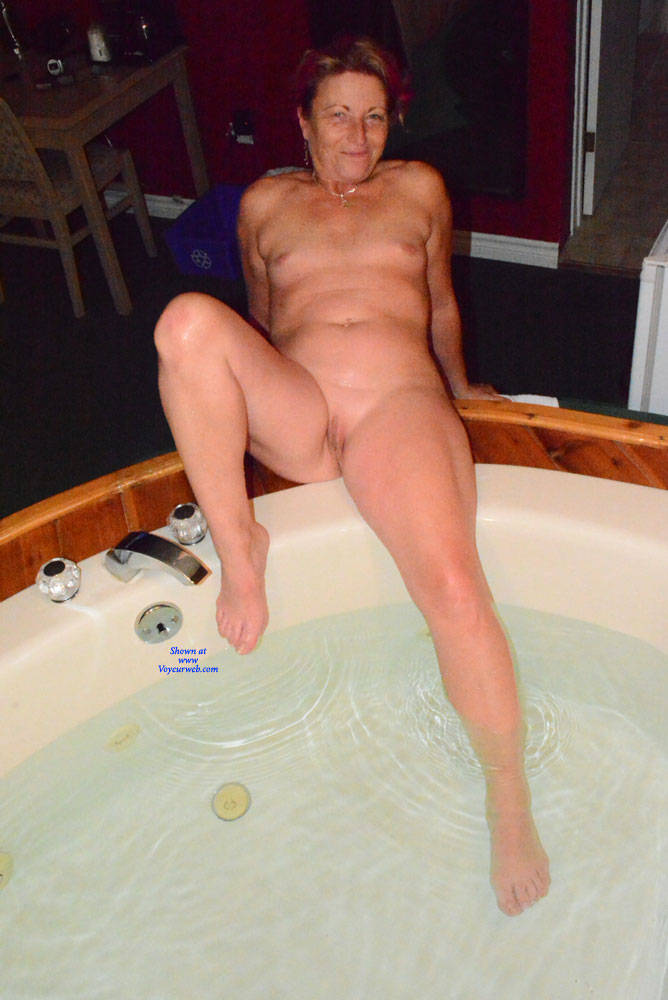 Pic #5 A Night Away To See The Fall Colours - Nude Amateurs, Mature, Shaved