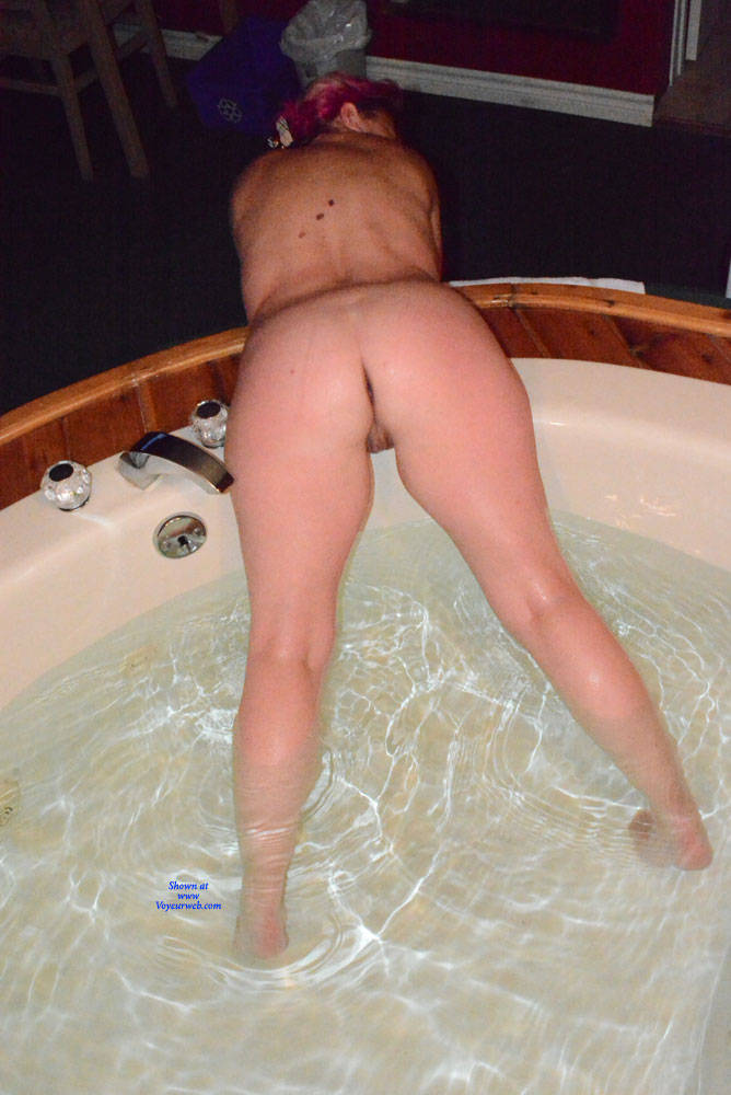 Pic #7 A Night Away To See The Fall Colours - Nude Amateurs, Mature, Shaved