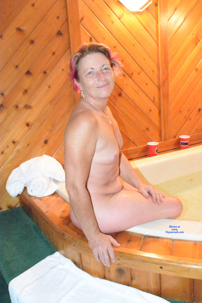 Pic #9 A Night Away To See The Fall Colours - Nude Amateurs, Mature, Shaved