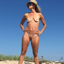 End Of Season Beach Trip - Nude Girls, Beach, Outdoors, Amateur