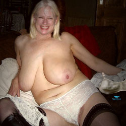 Watching Those Big Tits - Topless Girls, Big Tits, Blonde, Mature, Amateur