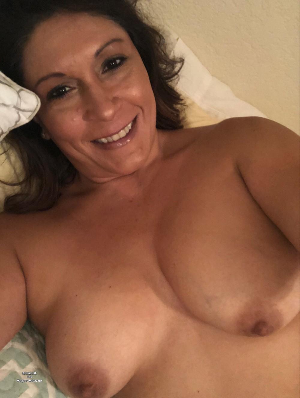 Pic #1 Medium tits of my girlfriend - Melissa