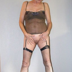 Holiday Photo Session - Lingerie, Mature, Shaved, Amateur