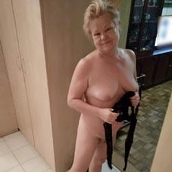In Erotic Underwear - Wives In Lingerie, Mature, Amateur