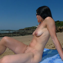 Bitch On Beach - Nude Girls, Beach, Outdoors, Shaved, Amateur