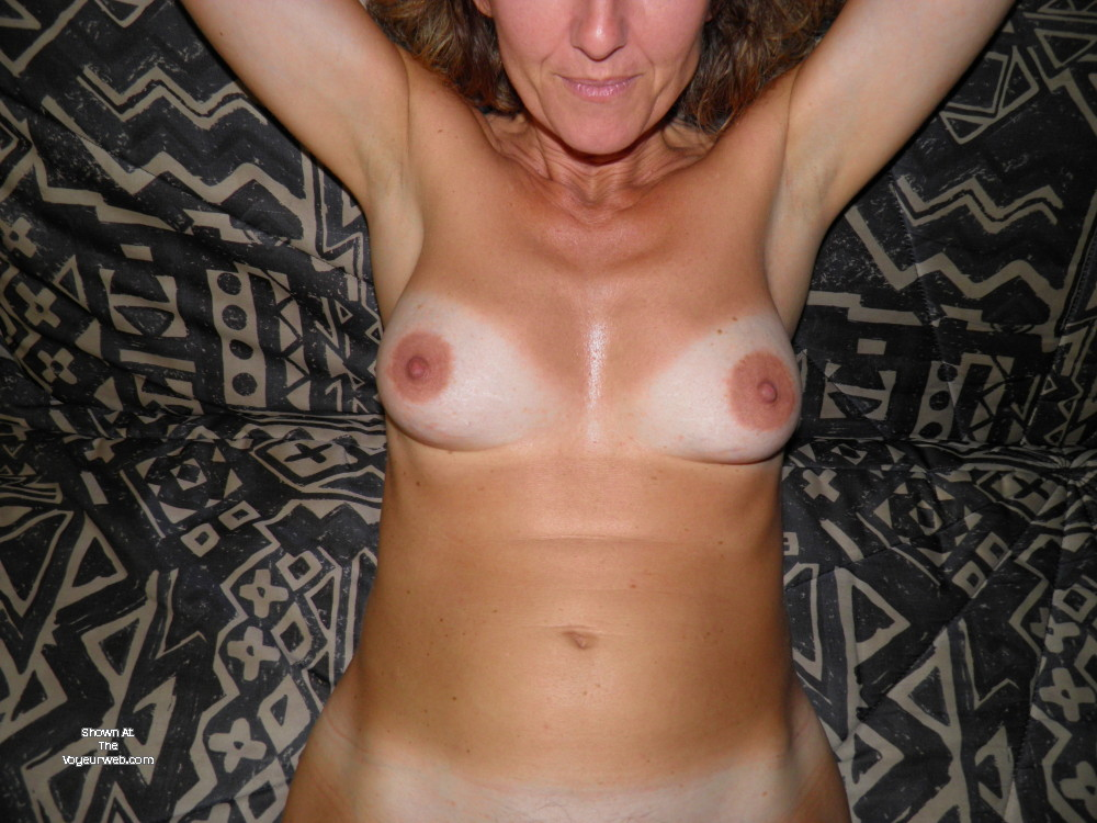 Pic #1 Medium tits of my wife - Krist