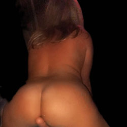 Fun With My New Toy - Nude Girls, Toys, Amateur