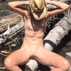 Nirvana Waterfall - Nude Girls, Outdoors, Shaved, Nature, Amateur