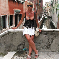 Chrissi Flashing In Venice - Pantieless Girls, Blonde, Public Exhibitionist, Flashing, Outdoors, Public Place, Shaved, Amateur, Body Piercings