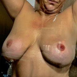 Big Wet Knockers - Nude Amateurs, Big Tits, Wet Tits, Mature