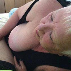 Mature Tease - Big Tits, Mature, Amateur