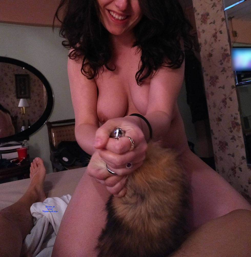 Pic #2 Foxy Lady - Nude Girls, Brunette, Toys, Amateur