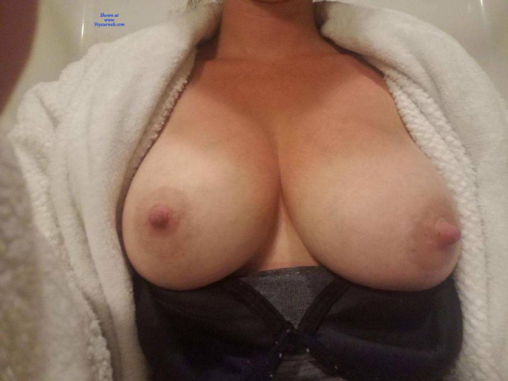 Pic #1 KK's Beautiful Tits - Big Tits, Wife/wives, Amateur, Big Nipples