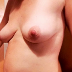 Pregnant Tits - Nude Wives, Big Tits, Bush Or Hairy, Amateur