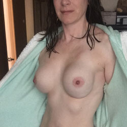 Ann Getting More And More Into This! Loves The Comments - Bush Or Hairy, Close-Ups, Pussy, Facials