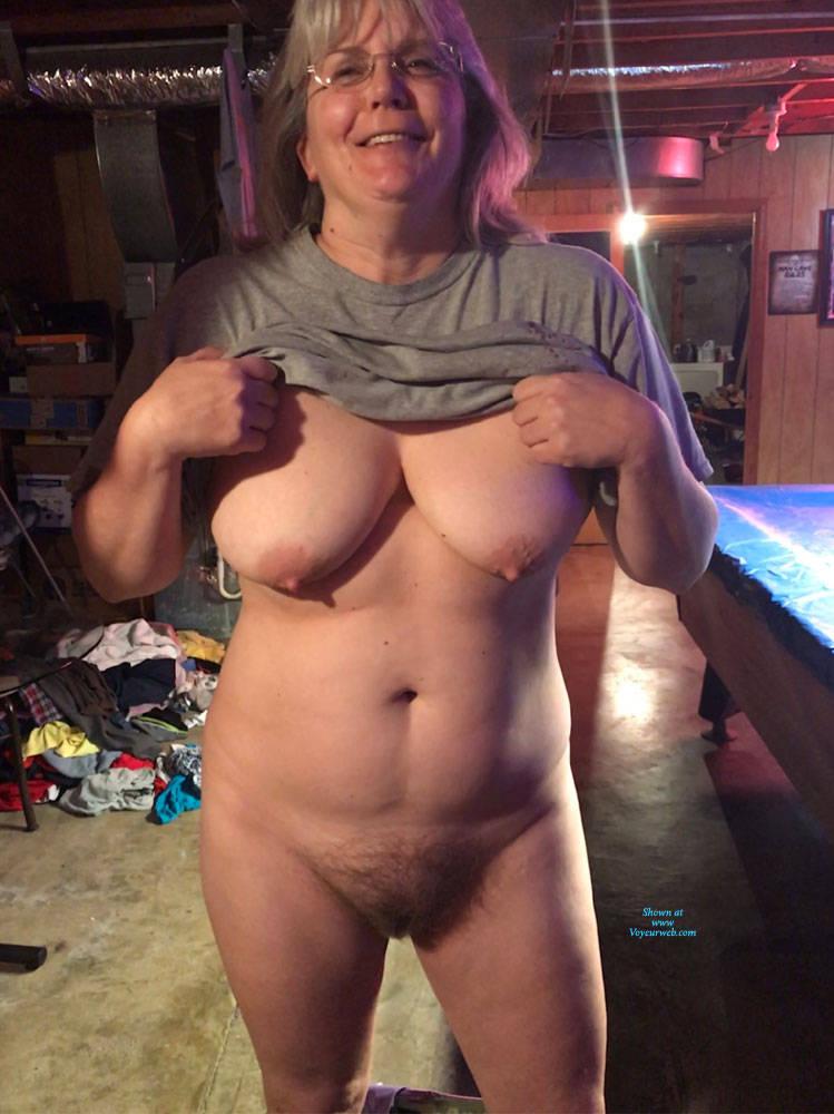 Naked Images Brunette loves big cock