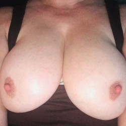 Large tits of my wife - Cary!!!