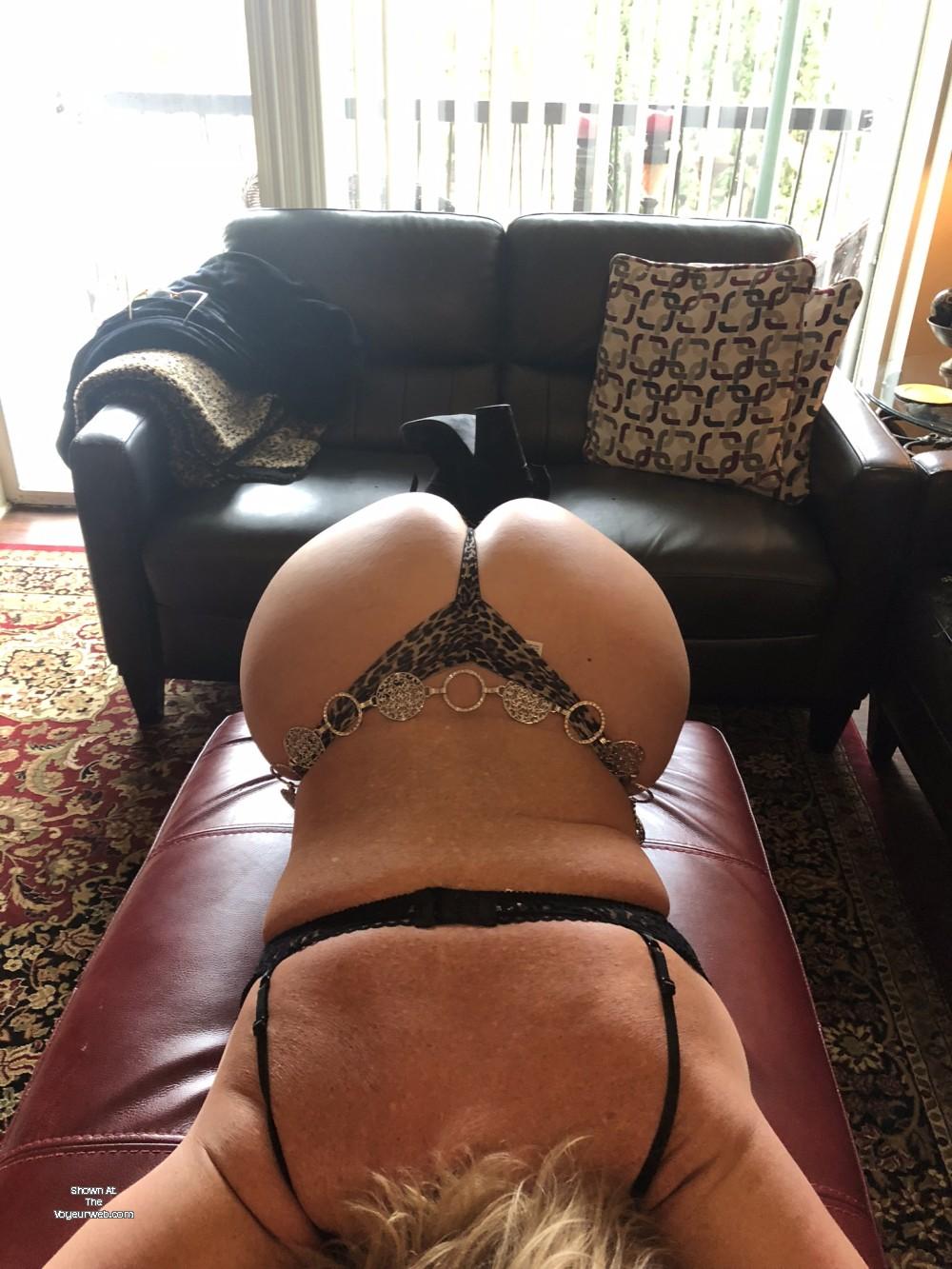 Pic #1 My wife's ass - CinnamonDoll