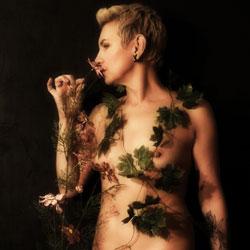 Russian Sveta Likes To Strip - Nude Girls, Blonde, Mature, Amateur